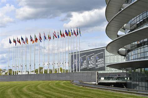 siege parlement europeen si 232 ge du parlement europ 233 en une d 233 faite pour les anti