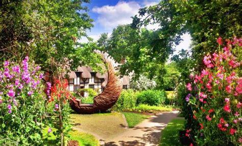 Arden Gardens by Falconry Displays In Warwickshire Near Stratford Upon