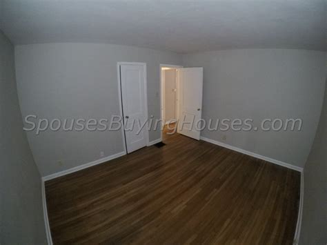 buy house quick we buy houses fast indianapolis bedroom 2 spouses buying houses