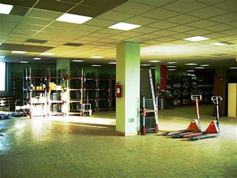 wohnung mieten prag vermietung lagerhallen lagerr 228 ume b 252 ros und