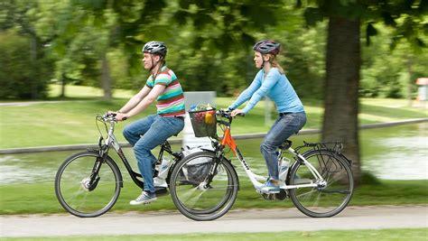 E Bike F Hrerschein by Helmpflicht Wird Gepr 252 Ft F 252 Hrerschein F 252 Rs E Bike N Tv De