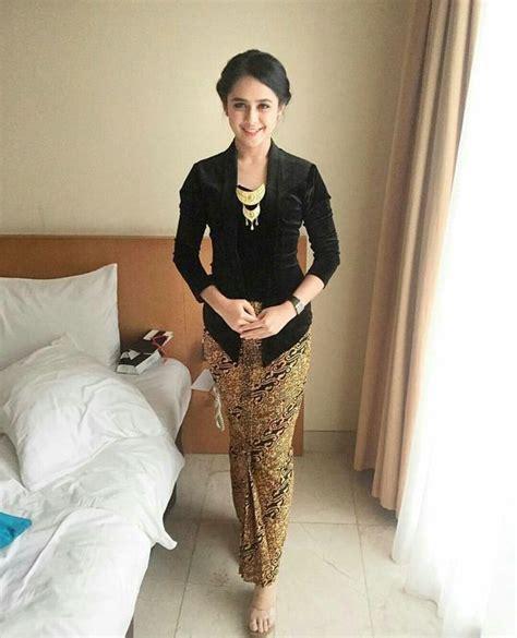 Kebaya Elegan by 25 Model Kebaya Kutu Baru 2018 Modern Elegan