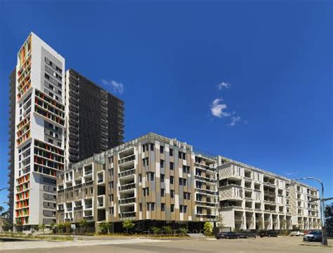 building exterior picture of meriton serviced apartments