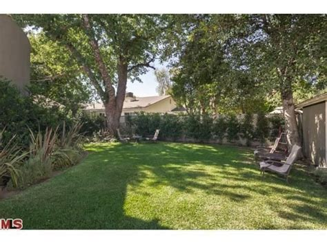 michael jackson backyard michael jackson producer brian malouf lists sherman oaks home