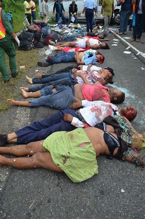 imagenes fuertes de pandilleros muertos 13 muertos y 24 heridos en un accidente en la autov 237 a del