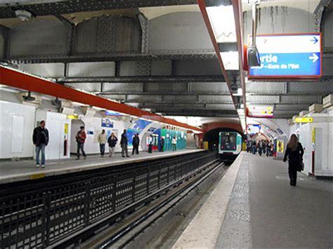gardyloo gare de l eau books m 233 tro de ligne 4