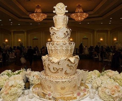king and themed wedding gold theme wedding cake fit for a king wedding cakes