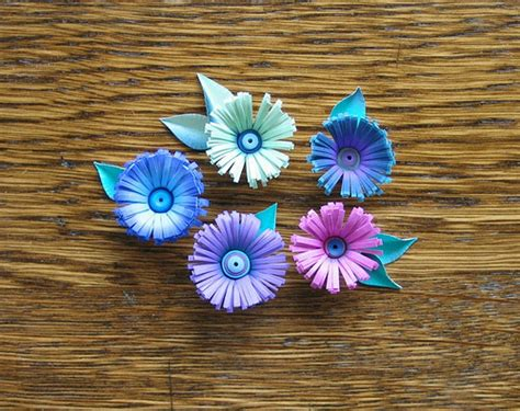 How To Make Flowers With Paper Strips - all things paper quilled fringed flowers
