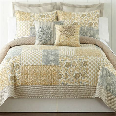 jcpenney bedding quilts jcpenney bedding pinterest home accessories and quilt