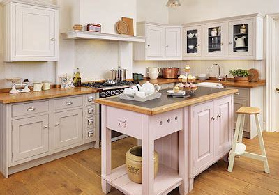 A few good examples of inset shaker kitchens from the UK