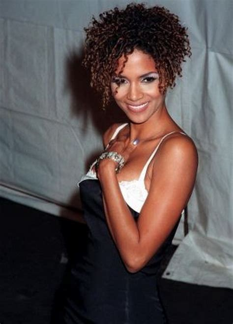 halle berry short curly hairstyles halle berry curly hairstyles