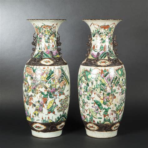 floreros de ceramica dos floreros de cer 225 mica balaustres nanjing china 1900