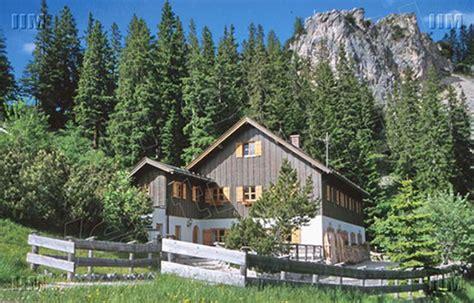 haus zufriedenheit garmisch imposante exklusive lage berghaus gebirgshaus chalet