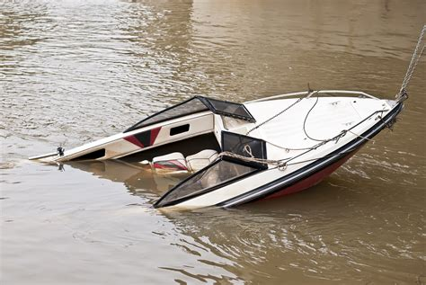 cigarette boat wreck boat accident lawyer boating accident lawsuit attorney