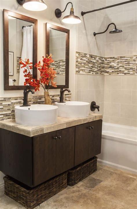 tile accent wall bathroom