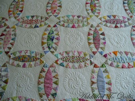 How To Meander Quilt by I Quilted A Feather In The Centre Of The Plain Fabric And Small Meandering Around Which Made