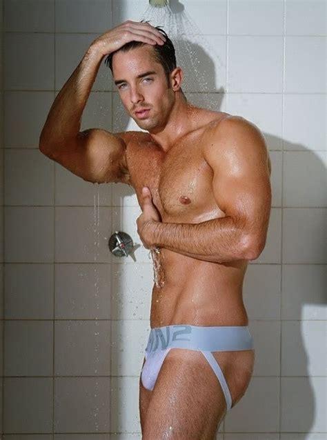 c in2 shower handsome model ivan scannell