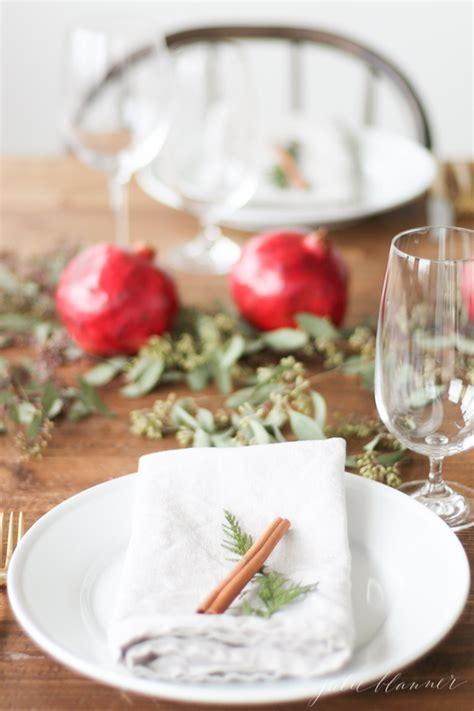 idee per addobbare la tavola di natale 10 idee per la tavola di natale wedding