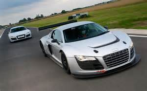 audi r8 gt vs audi r8 lms front end in motion 4 photo 7