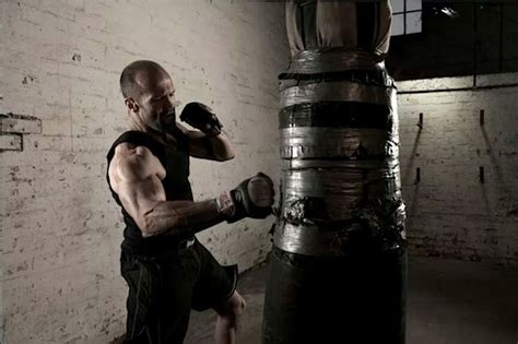 jason statham bench press jason statham workout routine diet plan body stats