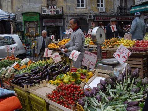 mercato fiori napoli i 10 migliori mercatini di napoli napoli da viverenapoli