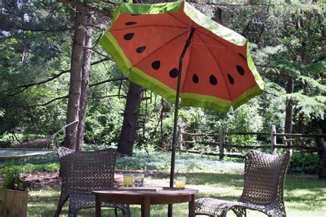 Paint Patio Umbrella Paint A Watermelon Pattern On Your Outdoor Umbrella How Tos Diy