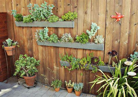 Diy Outdoor Decorating The Garden Glove Go Vertical Fresh Diy Vertical Garden Projects The Garden Glove