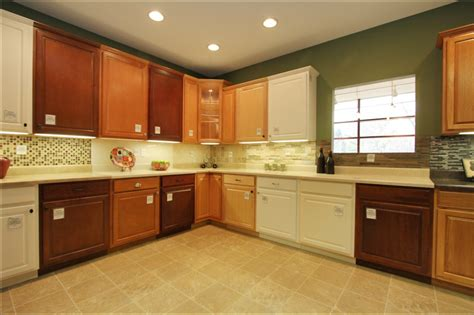 Kitchen Cabinets Showroom with Steps Customization Stieve Says