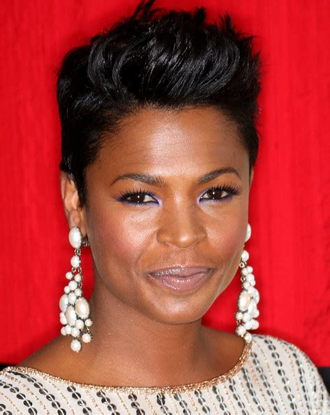 how to style hair like nia long nia long fauxhawk nia long hair looks stylebistro