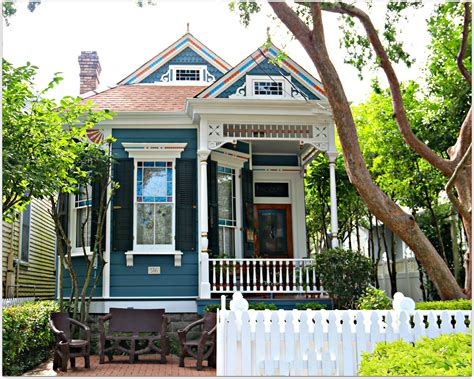 New Orleans House by Colorful Homes In New Orleans Uptown Neighborhood