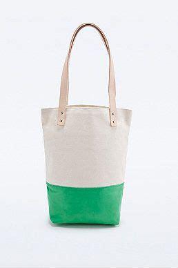Tas Tote Bag Tatahukir Lubang flea bags x uo tote bag in ivory and green de tas green ivory and bags