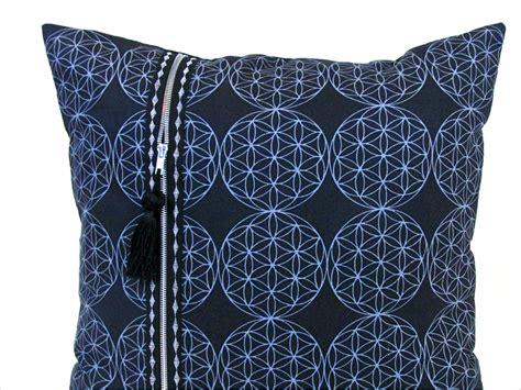 pillow with zipper pillow sew4home
