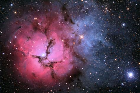 galaxy wallpaper editor apod 2009 july 7 the trifid nebula in stars and dust