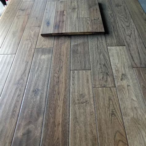 Hickory Asher Gray Hardwood Flooring Handscraped ABCD 4.9""