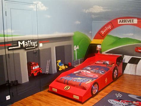 chambre cars but chambre cars avec circuit deco