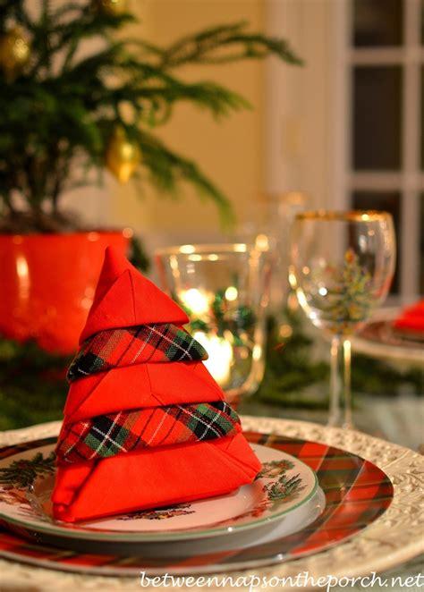 pattern christmas tree napkins christmas tree napkin fold tutorial