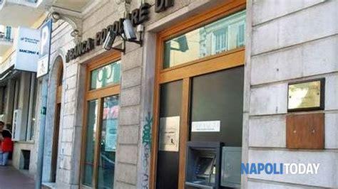 banca popolare di novara giugliano rapina alla banca popolare di novara in via piedigrotta a