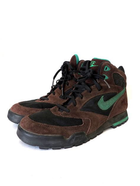 nike hiking boots 90s vintage nike hiking boots chocolate brown sporty