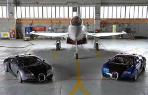 Bugatti Veyron Vs Eurofighter Bugatti Veyron Vs Typhoon Jet Fighter 2017 2018
