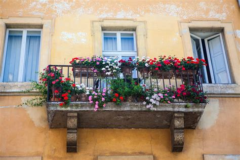 come arredare terrazzo come arredare il balcone con i fiori non sprecare