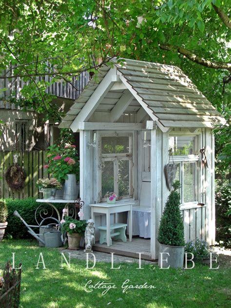 Gardeners Cottage by Underberget August 2013