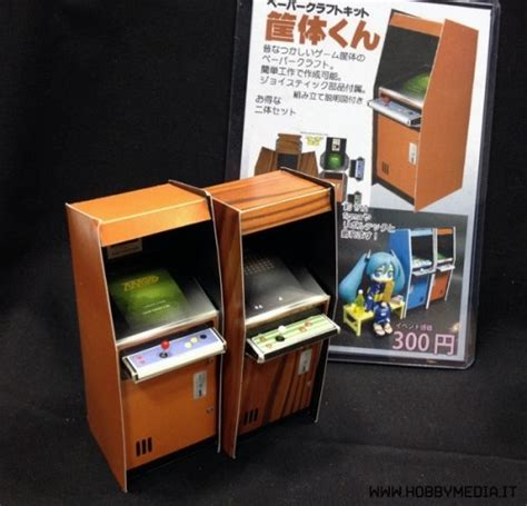 Japanese Arcade Cabinet by Japanese Arcade Cabinets Papercraft