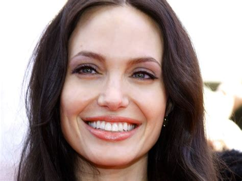celebrity smiles  win   whitening smile