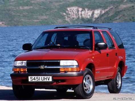 opel chevrolet car sight opel chevrolet blazer galery