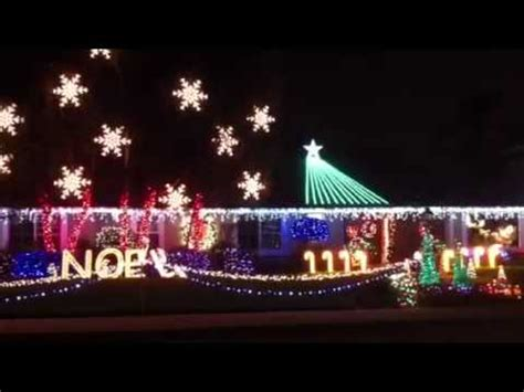 christmas light and music display on flamingo in glendora