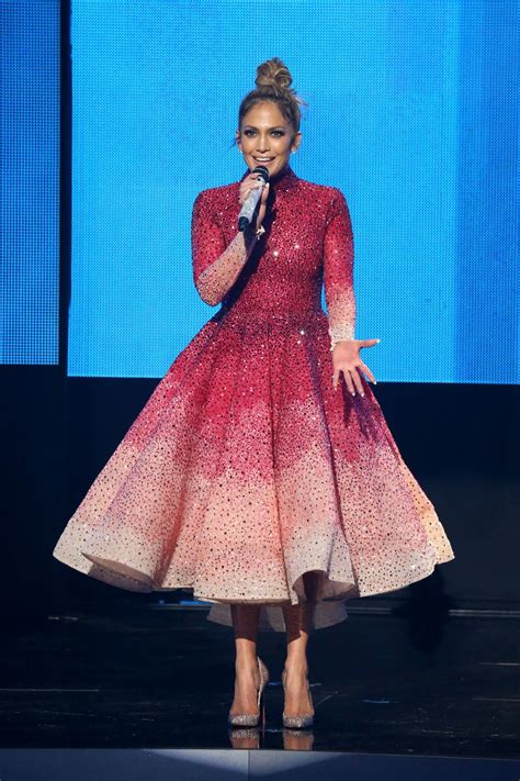 Would You Wear Lantern Sleeves Like J Lo by Pictures Of The 12 Wore At The 2015