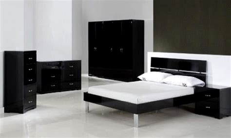 white chic furniture black  white bedroom makeovers