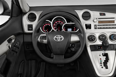 Toyota Matrix Steering Wheel 2013 Toyota Matrix Reviews And Rating Motor Trend