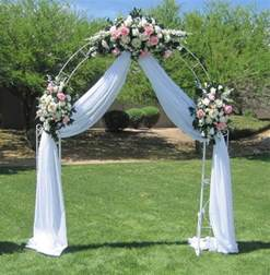 Decorating Ideas For Wedding Arches 17 Best Ideas About Metal Wedding Arch On