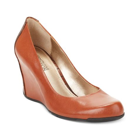 Wedges Jm 30 1 lyst kenneth cole reaction did u tell wedge pumps in brown